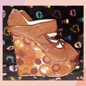 Shoes - Groovy platform shoes